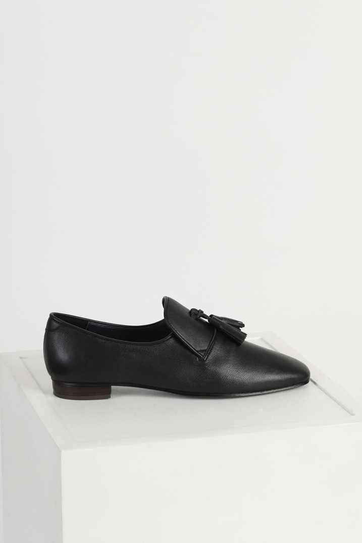 Italy Sheep Leather Tassel Loafers - Black