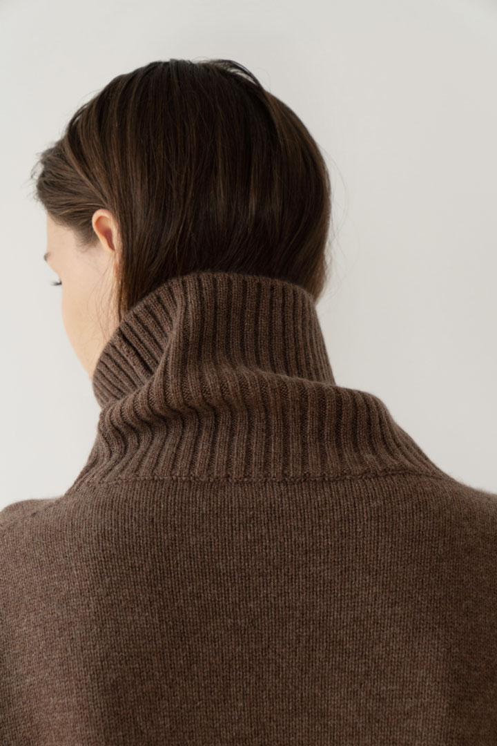 Numero 055: Cashmere 100% Turtleneck Knit (2 colors)