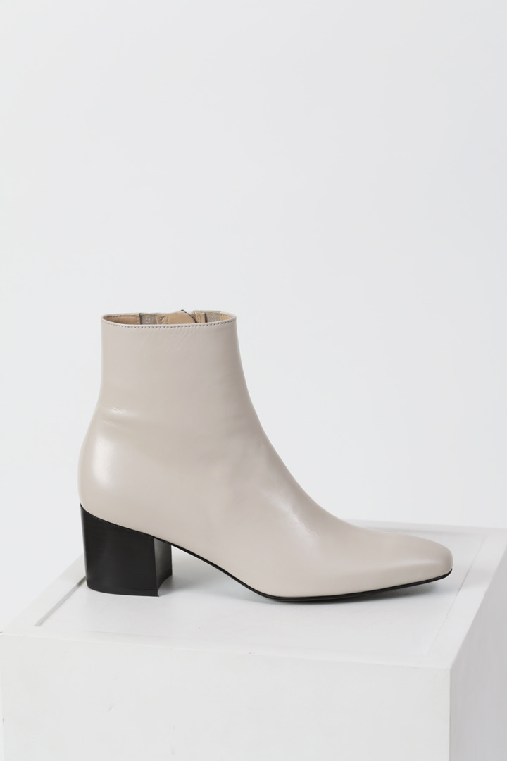 Milo Leather Ankle Boots - Dusty cream