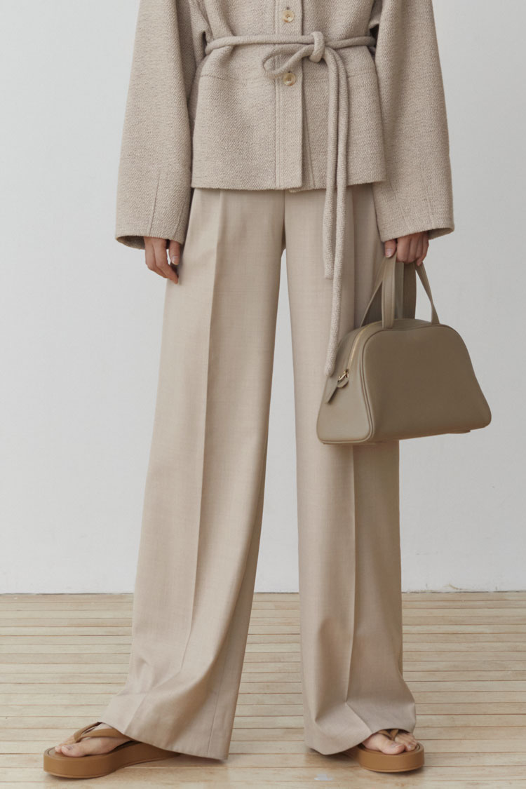 Numero 102: Wide-legged Wool Slacks (Oat Beige)