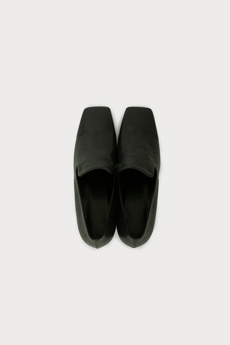 Notch Loafer (Black Lizard)