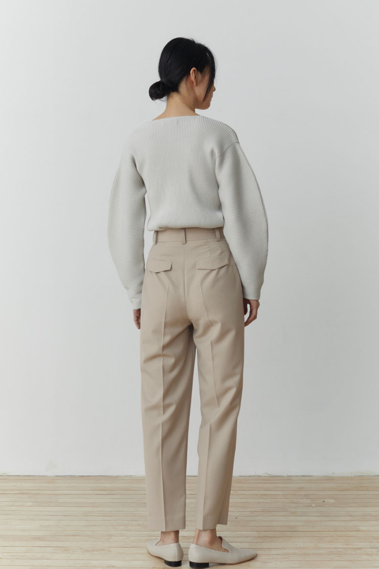 Numero 107: Wool Curved Slacks (Light Beige)