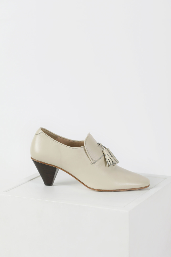 Italy Sheep Leather Tassel Pumps - Ivory