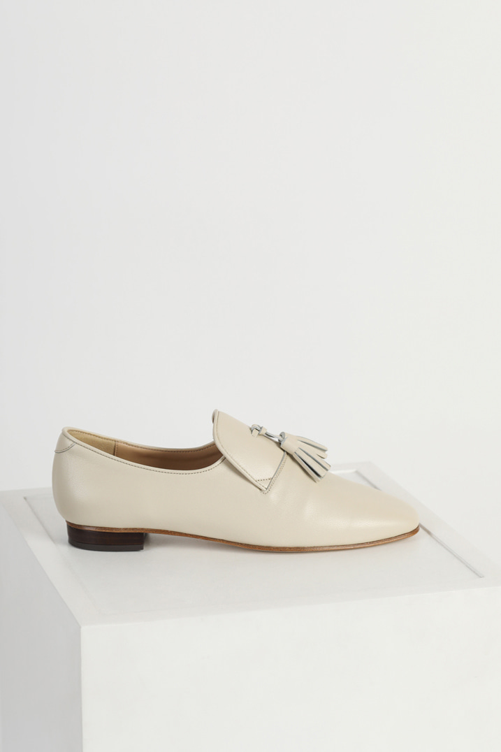 Italy Sheep Leather Tassel Loafers - Ivory