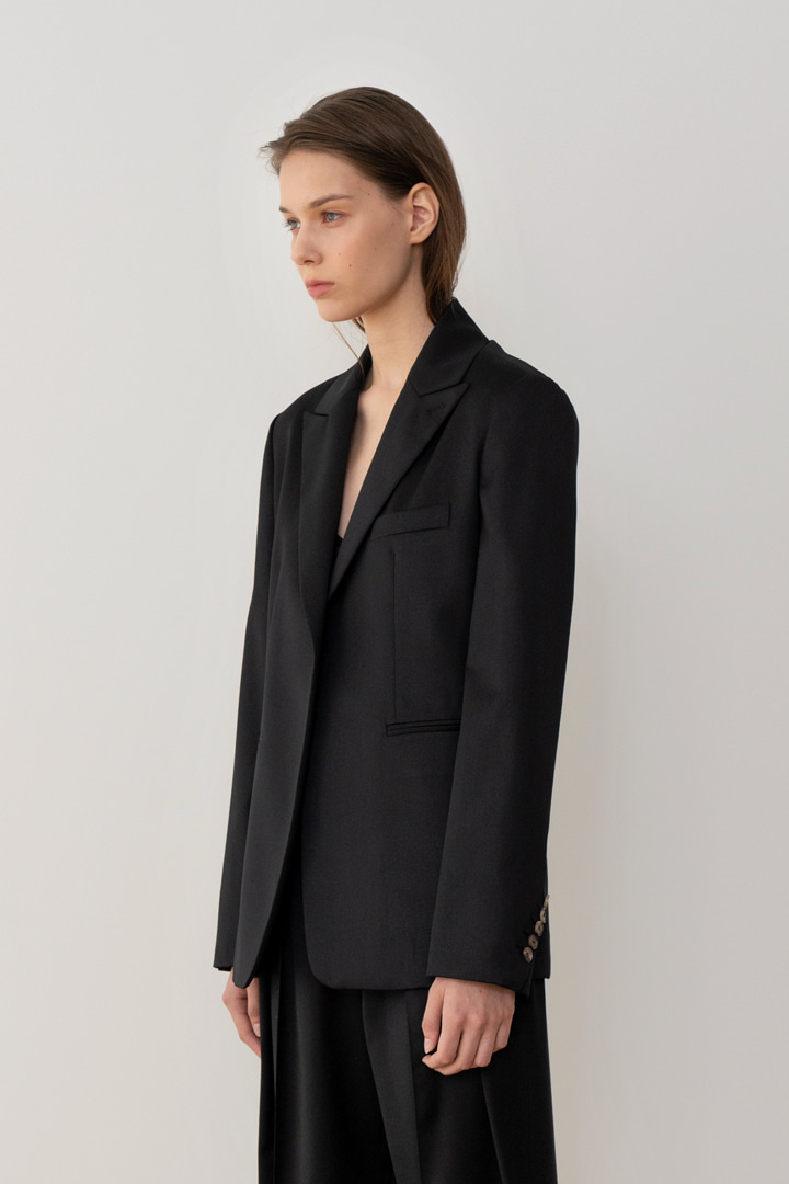 Numero 043: Oblique Sleeve Wool Jacket (2 colors)