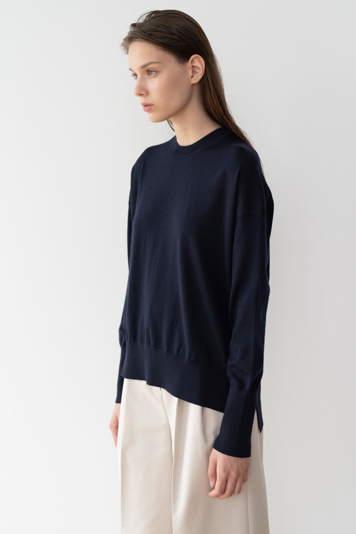Numero 048: Superfine Merino Wool Crew-neck Knit (2 colors)