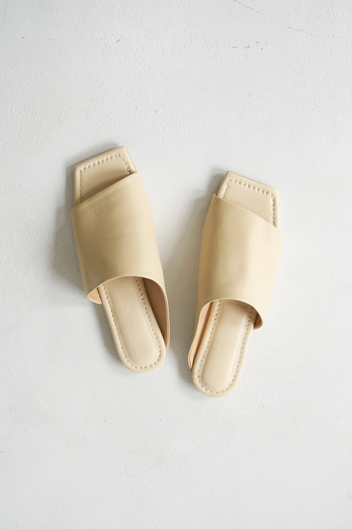 Oblique Slides - Butter
