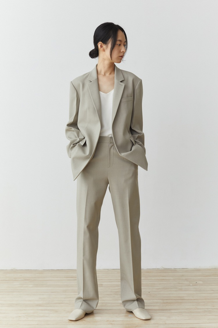Numero 100: Classic Wool Blend Trousers (Set-up) (Ash Beige)